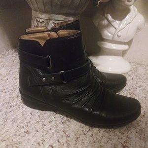 EUC Naturalizer Cassini Black Leather Ankle Boots